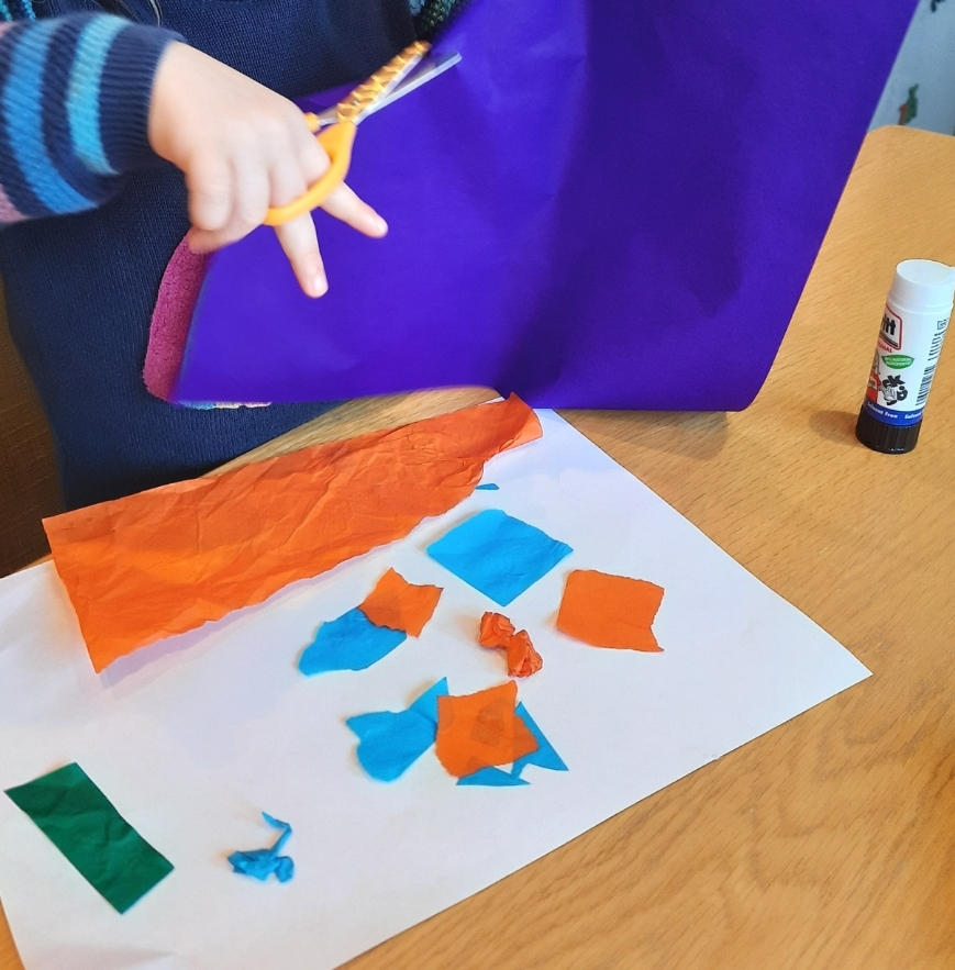 How to make Roman mosaic collages with tissue paper